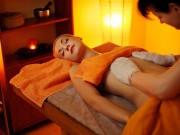 massagen_ayurveda-garshan-seidenhandschuh-massage